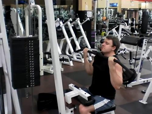 Reverse Lat Pull-Downs (Machine)